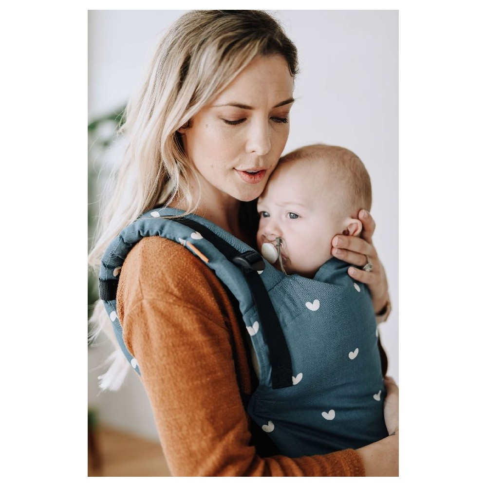 Tula Free to Grow babycarrier Playdate