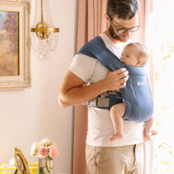 Ergobaby Embrace Soft Navy babycarrier