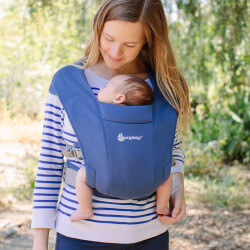 Ergobaby Embrace Soft Navy babycarrier